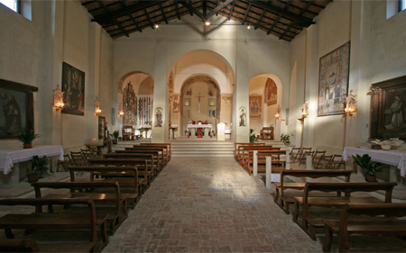 Interno del Santuario di Valliano