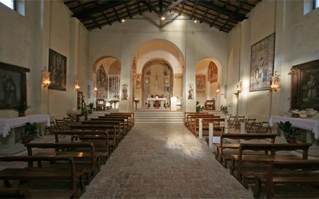 Interno del Santuario di Valliano